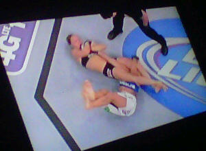 Ronda Rousey made Liz Carmouche submit with her deadly arm bar in the 1st round of UFC® 157.